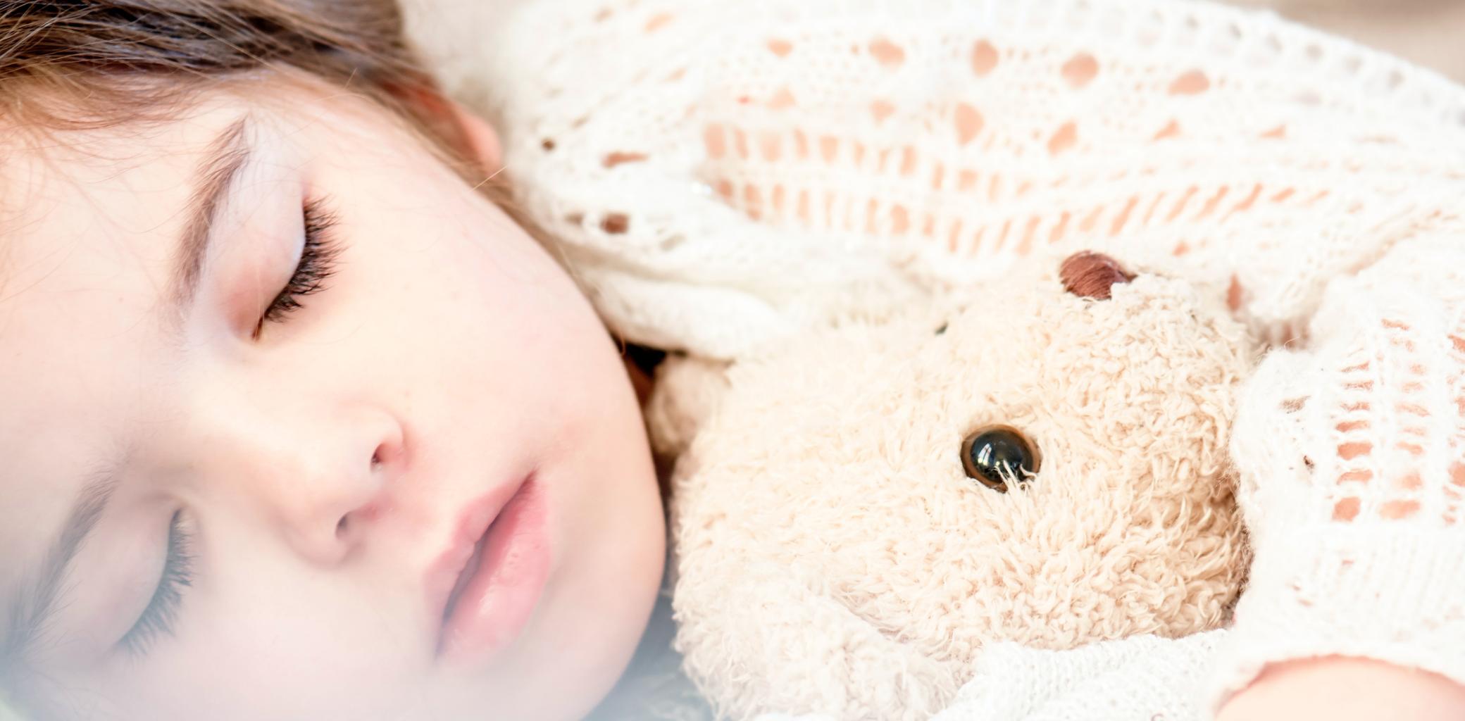 Enseñarles a dormir solos: 10 tips que te ayudarán